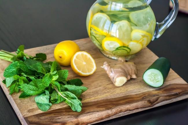 Limon Zencefil Salatalık Detoksu
